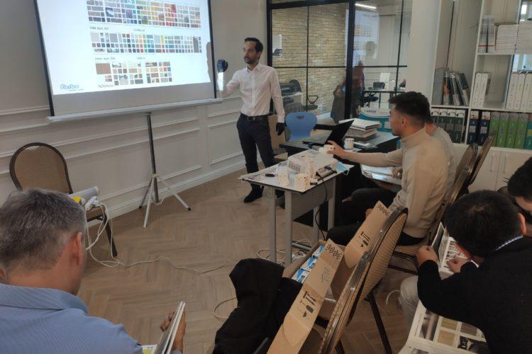 презентация напольных покрытий, производимых компанией Forbo Flooring.